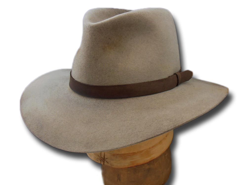 Chapeau Western 3:10 to Yuma Dan Evans replica antiqued hat