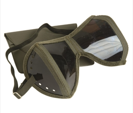 Foldable goggles-pocket
