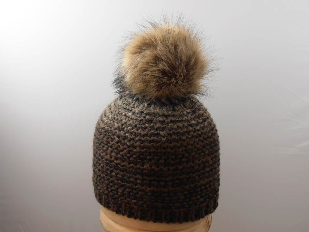 Unisex hat with PomPon ecological fur brown