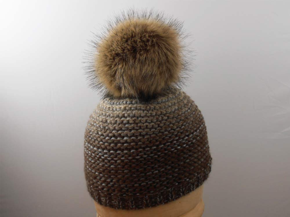 Unisex hat with PomPon ecological fur light br